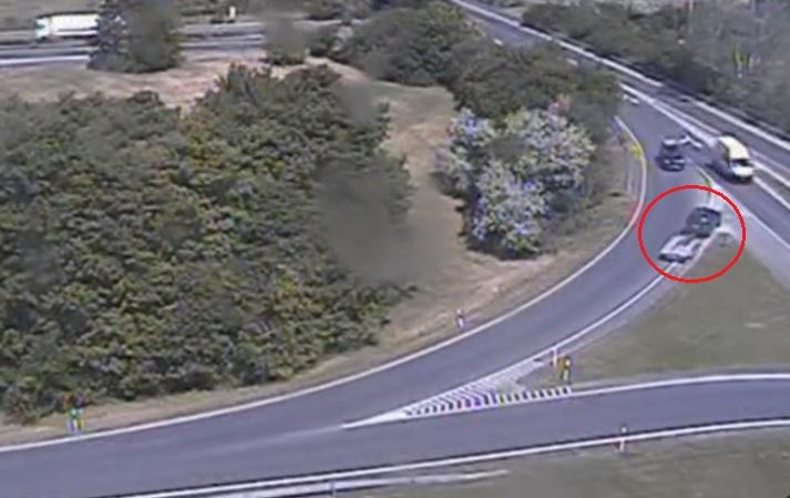 VIDEÓ: Megfordult az M7-es egyik felhajtóján, forgalommal szembe hajtott, hogy visszatérjen a 71-es főútra