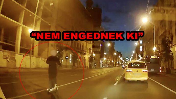 VIDEÓ: Bajba került a rolleres a Rákóczi úton. Nagy volt a bizonytalanság