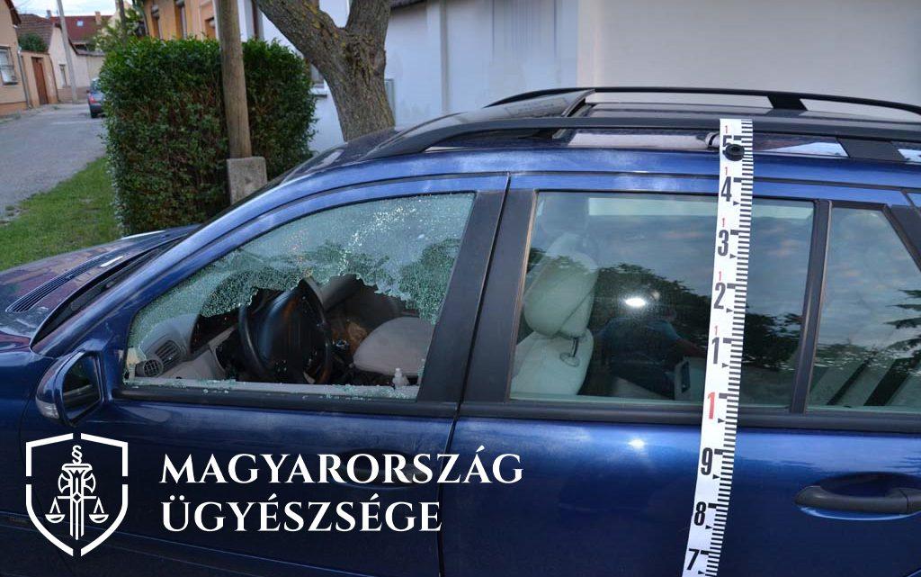 FOTÓK: Börtönbüntetést kért az ügyészség a férfira, aki öt nap alatt kilenc autót tört fel