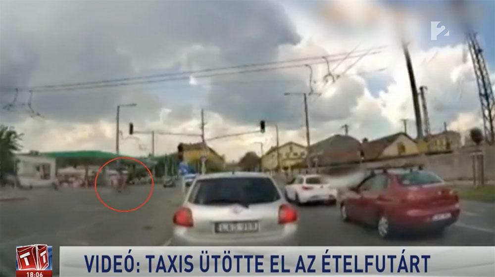 VIDEÓ: Egy taxis gázolta el az ételfutárt, aki a piroson mehetett át