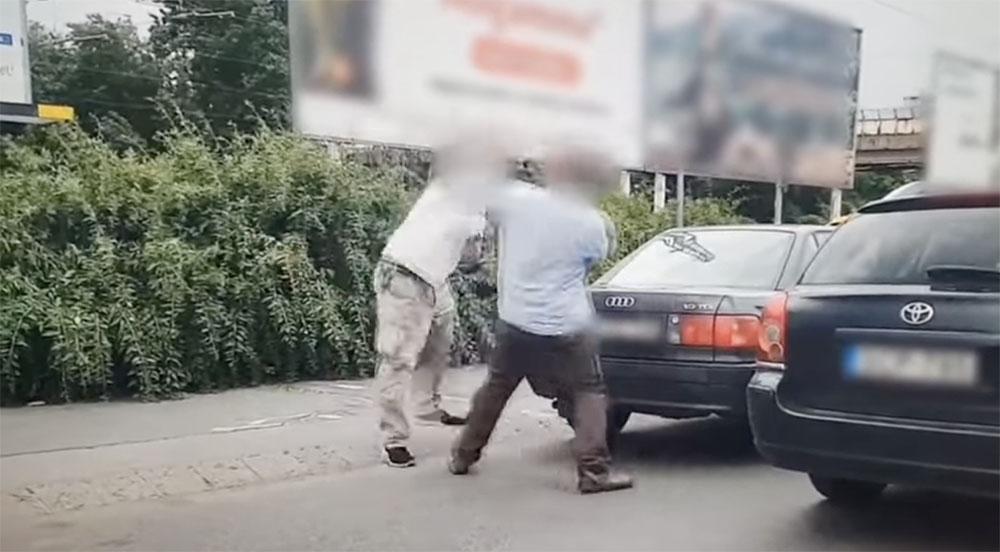 VIDEÓ: Összeverekedett két autós Zuglóban