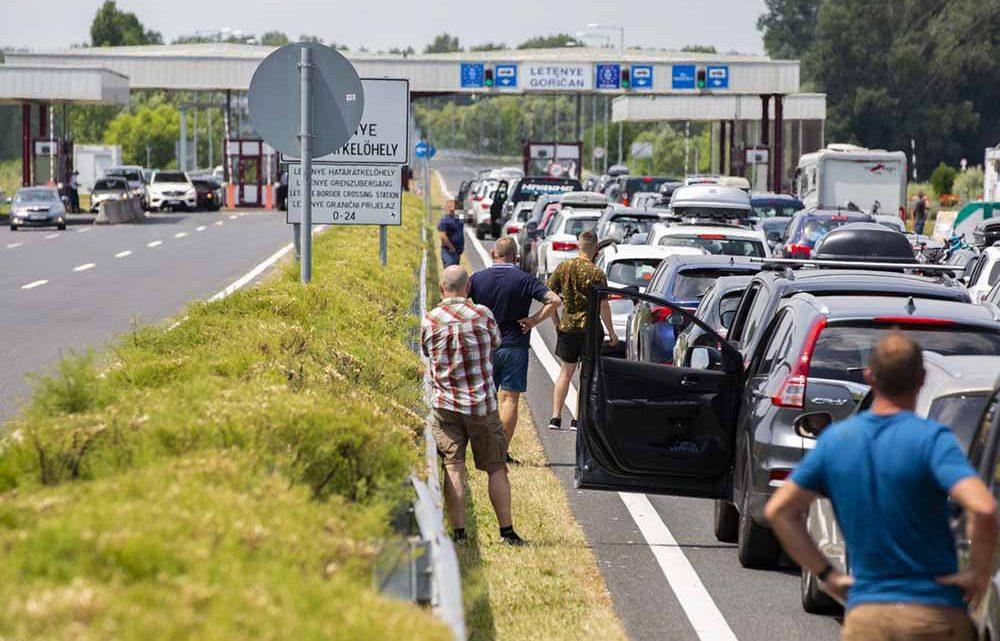 Akár három órát is várakozniuk kell a Horvátországba utazóknak