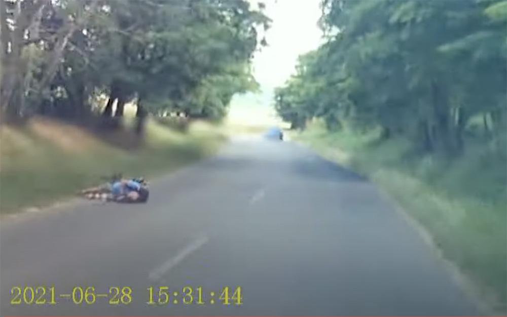 VIDEÓ: Elsodorta a kerékpárost, majd továbbhajtott segítségnyújtás nélkül