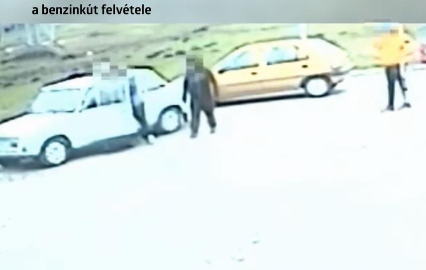 VIDEÓ: Erőszakkal vették vissza a percekkel korábban eladott Ladát az új tulajtól az eladók