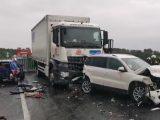 VIDEÓ: Álló kocsisorba rohant egy teherautós a sárvári Nádasdy híd közelében