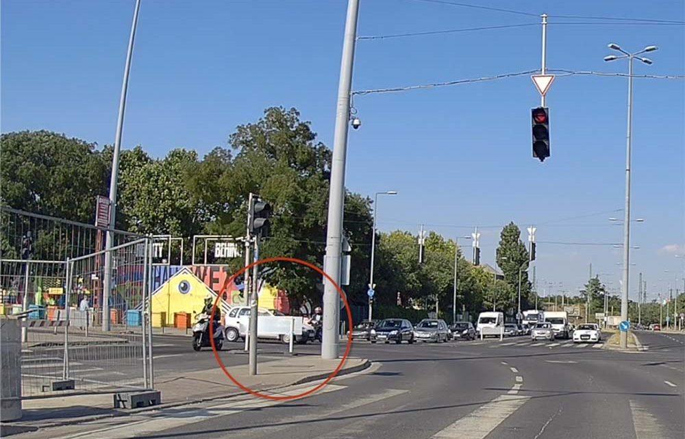 VIDEÓ: Sokkot kaphatott a piroson áthajtó opeles a Soroksári úton