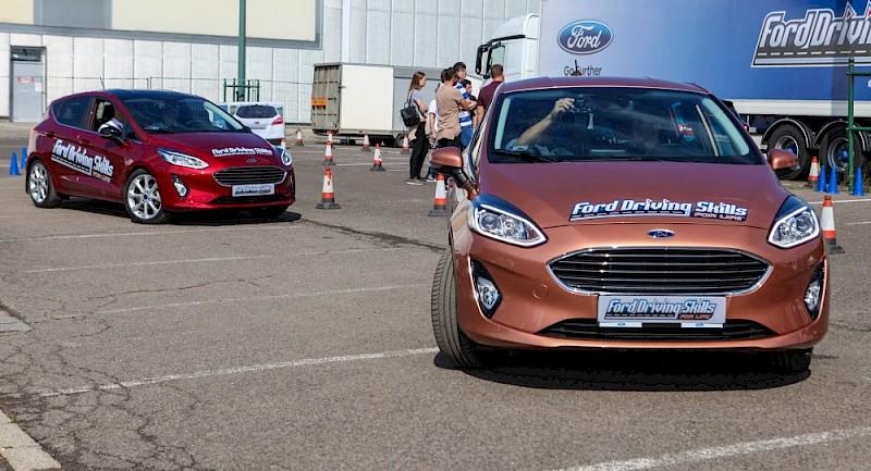 Idén újra várja a fiatalokat  ingyenes gyakorlati vezetéstechnikai képzésére a Ford