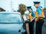 Több, mint 600 esetben intézkedtek a rendőrök a menet közben kézben tartott mobil miatt