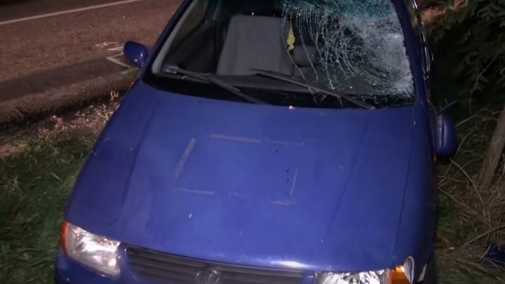 VIDEÓ: Babakocsit toló édesapát gázolt előzés közben egy autós – A baba megúszta, az apuka viszont súlyosan megsérült