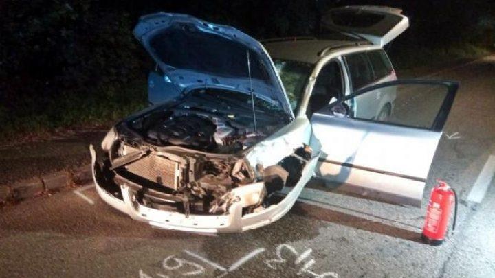 FOTÓK: 30-as táblánál, a járdára hajtva gázolt halálra egy gyalogost egy száguldó autós