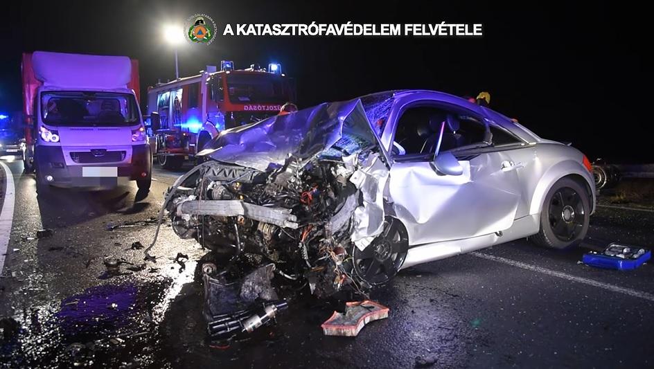 VIDEÓ: Halálos baleset történt éjjel a 6-os főúton